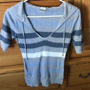 Maurice's lightweight hooded sweater size small